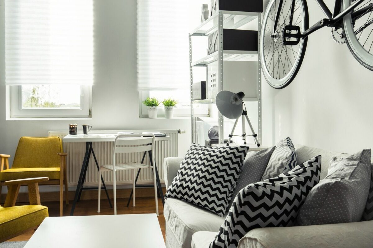 How to Make a Small Room Look Bigger? Here's how!